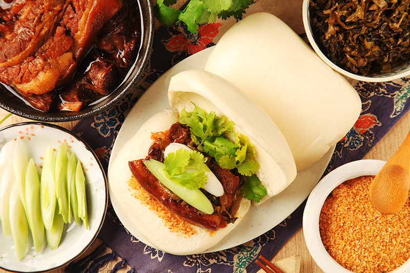braised pork w bun 2